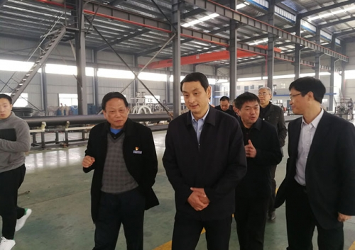 Liu Navy's Mayor and his party visited Hubei Xingxin's research work.
